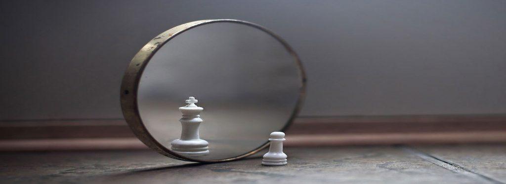 guardarsi allo specchio e sentirsi più forti